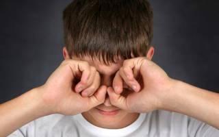 Что делать если опух глаз и болит и чешется?