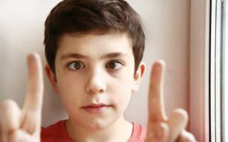Как лечится косоглазие у детей до года?